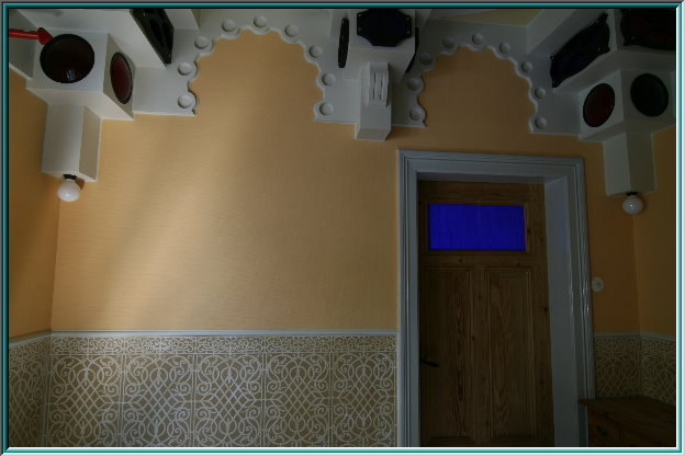 structural flow panels, arabesque patterns, horseshoe arches, decoration, oriental designs, Moorish style, neo-Mudejar décor
