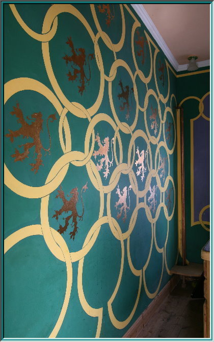 Brabant lion cables, wall painting, art nouveau, art nouveau, wall paneling, a lion in the coat of arms, gold wall paint pigments, wall painting with ornaments